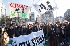 amsterdam dam 14-2 (hansfoto) Tags: amsterdam protest demonstration klimaat climate klimaatmars klimaatspijbelaars climatechange earthstrike