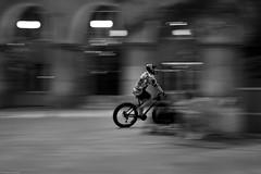 Chorzów 2019 (Tu i tam fotografia) Tags: bike bicycle rower street ulica streetphotography fotografiauliczna streetphoto człowiek man cyclist ruch movement motion kask helmet night noc candid outdoor blur polska poland sport blackandwhite noiretblanc enblancoynegro inbiancoenero bw monochrome czerń biel czerńibiel noir czarnobiałe blancoynegro biancoenero