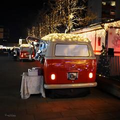Christmas Volkswagen (r.wacknitz) Tags: wolfsburg volkswagen bulli christmas dekoration weihnachtsmarkt niedersachsen nightphotography nikond5600 tamron1024 luminar18