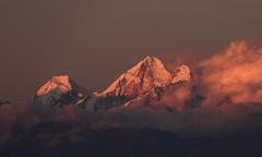 Last of the Light (Treflyn) Tags: last ray set light setting sun illuminate peak himalaya mountain gur karpori dorje lhakpa nagarkot nepal
