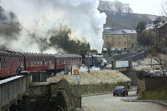 Sure Footed at Keighley (Chris Baines) Tags: stanier black five 45212 santa special departing kwvr keighley