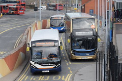 SY 37453 and 11122 @ Barnsley Interchange (ianjpoole) Tags: stagecoach yorkshire alexander dennis enviro 200mmc yx67vgp 37453 400mmc sk68luo 11122 barnsley interchange