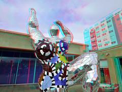 Sculpture by Niki de Saint Phalle in Beelden aan Zee 3D (wim hoppenbrouwers) Tags: sculpturebynikidesaintphalle beeldenaanzee 3d sculpture nikidesaintphalle art kunst anaglyph stereo redcyan nikkor1224