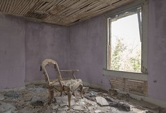 The color purple. (Ewski Images) Tags: ruins discarded sony rurex rural exploration explore classic antique vintage chair abandoned decay