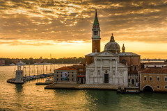 Sailing into the Canale Grande in Venice at sunrise (h.dirix) Tags: grande canale venice sunrise italy voyage ship bow lagoon