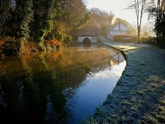 Photo of Trent & Mersey canal at Barton, Cheshire