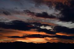 DSC_1214 (griecocathy) Tags: paysage coucher soleil ciel nuage montagne noir rouge bleu saumoné beige gris crème oranger orange