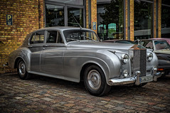 What a wonderful classic Rollce Royce (Peters HDR hobby pictures) Tags: petershdrstudio hdr rollceroyce classiccar car classicremise klassiker auto oldtimer silver silber