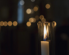 Advent (A blond-Tess) Tags: advent december 52weekproject 52weekchallenge dogwood52 weeklyphoto weeklychallenge candle candellights bokeh bokehandbeyond smoothbokeh bokehlights shallowdof primelens prime church wamth calming litcandles canon canon50mm 50mm