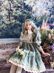 Flowers Girls (GlamLadyDollstudio) Tags: dolls dollsoutfits dollfashion dollclothes dolcollection teadressshop momoko