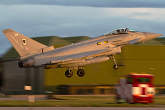 ZJ923/DM (PhoenixFlyer2008) Tags: eurofighter typhoon royalairforce lossiemouth moray scotland 11fsquadron 29rsqn instructor fighter pilot land rwy23 panning aviation aircraft aircrew fastjet canon