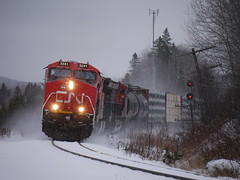 Courchesne,QC (MaineTrainChaser) Tags: cn west westbound trains train 121 quebec new brunswick