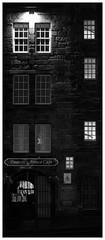 Deacon's House Cafe, Royal Mile, Edinburgh (S.R.Murphy) Tags: edinburgh fujifilmxf35mmf2 night nov2019 urban urbanlandscape fujifilmxt2 nightphotography socialdocumentary streetphotography bw bnw blackandwhite monochrome acros