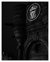 Royal Mile, Edinburgh (S.R.Murphy) Tags: edinburgh fujifilmxf35mmf2 night nov2019 urban urbanlandscape fujifilmxt2 nightphotography socialdocumentary streetphotography bw bnw blackandwhite monochrome royalmile