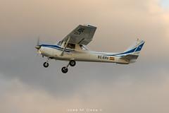 Aeroclub Barcelona Sabadell Cessna 152 EC-ERV (José M. Deza) Tags: aeroclubbarcelonasabadell c152 cessna ecerv planespotting qsalell sabadell spotter aircraft