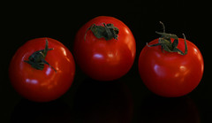 "triple ""red"" (HansHolt) Tags: tomato tomaat cherrytomato cherry fruit vegetable veggie groente reflection tabletop dof macro canon 6d 100mm canoneos6d canonef100mmf28macrousm macromondays red hmm"