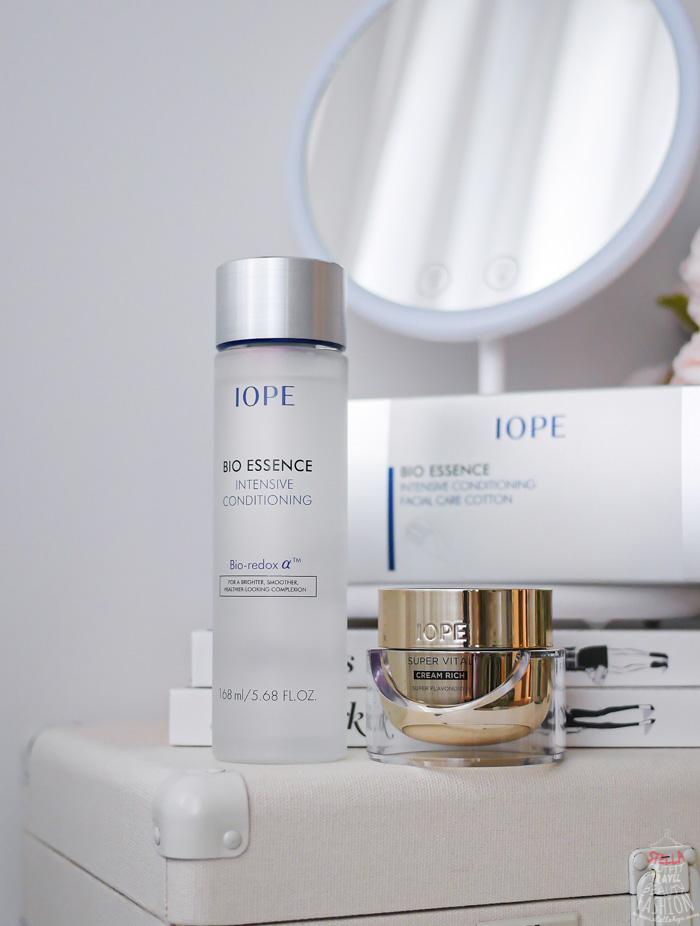 這次介紹的 IOPE 時光金鑰緻顏修護霜(黃金霜)、IOPE 青春活顏菁粹(神仙水),是幫我們抗老化、抗糖化的好夥伴