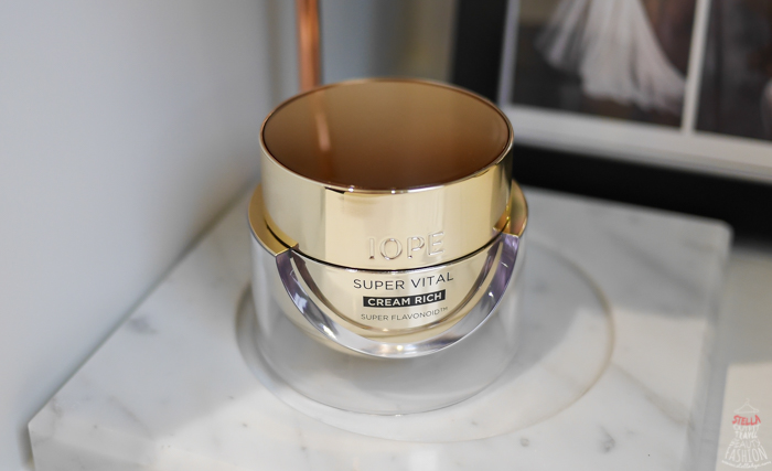 IOPE黃金霜能抗氧化抗老化,還能抗糖化作用,是很好用的抗老面霜