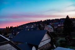 Over the top (A.K. 90) Tags: city cityscape perspective perspektive skyline sky cloudssunsetsstormssunrise aussicht view trees bäume red rot morning morgens morgen morgenrot horizont horizon sonyalpha6300 e18135mm3556oss earlybird