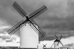 Los molinos (Photo_Lumior) Tags: molino cielo nube castillalamancha provinciadeciudadreal campodecriptana paisaje naturaleza otoño rural turismo españa arquitectura nubarrón nublado nubosidad