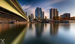 Paris, Le Front de Seine (DanielKHC) Tags: paris france seine river beaugrenelle bridge nikon long exposure cityscape nd pont filters nisi d850