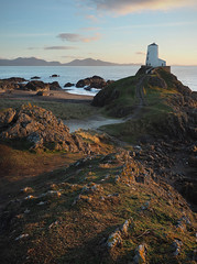 (Neil Bryce) Tags: anglesey newborough llanddwyn wales beacg island seascape sunset olympus landscape lighthouse peninsula