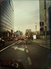 Bruxelles 2 (Casey Hugelfink) Tags: brüssel bruxelles brussels brussel belgium street streetphotography strase europe eu europa ec echeadquarter buildings gebäude hochhäuser skyscraper cars autos traffic future city evening