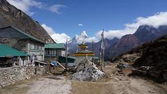 Kunde dans la vallée du Khumbu (Sam Photos with Sony native jpeg) Tags: khumbu vallée népal nepal everest montagne himalaya trek randonnée altitude neige automne autumn camp de base