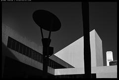 _Z730932 copy (mingthein) Tags: thein onn ming photohorologer mingtheincom availablelight bw blackandwhite monochrome architecture hk hong kong nikon z7 1650 geometry abstract
