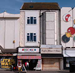 Star Wars, Rock King (Warning Adult  Rock), Coffee House & Diner, Fish of the Sea... (Rhisiart Hincks) Tags: promenade baliarmor rhodfa'rmôr promanáid promanàd promenâd paseomarítimo passeiomaritimo passeigmarítim lungomare stråket blackpool aod glanymôr cósta kostalde coast côte arfordir seaside coisfarraige