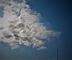 Atraccion (enrique1959 -) Tags: españa europa bilbao nubes antena euskadi vizcaya paisvasco martes nwn martesdenubes weatherphotography