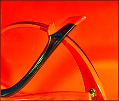Rot meine neue rote Brille!! (magritknapp) Tags: 188x208inch macromondaysandred brille brillenbügel glasses glassestemples