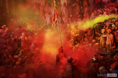 The Samaj - Holi Festival Action (David_Lazar) Tags: india nandgaon holi festival samaj powder