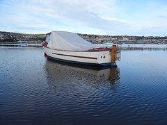 Late Autumn Reflections on the Teign December 2019 (guyfogwill) Tags: 2019 autumn bateau bateaux boat boats coastal december devon dschx60 england fogwill gb gbr greatbritan guy guyfogwill marine nautical plymouthpilot18 reflection reflections river riverteign shaldon sony southwest teignestuary teignmouth teignmouthapproaches theshaldives tisers tq14 uk unitedkingdom wetreflection flicker photo interesting absorbing engrossing fascinating riveting gripping compelling compulsive beach vacances water sea ocean