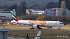 "Boeing B777-300(ER), Emirates Livrée ""EXPO 2020"", A6-EQO (maxguenat) Tags: lsgg gva avion spotter spotting cointrin boeing b777300er emirates expo2020"