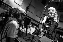 Corey Harris & Tail Dragger (Joe Herrero) Tags: concierto concert directo live bolo gig blancoynegro