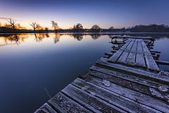 Booths Mere sunrise (Lukasz Lukomski) Tags: sunrise boothsmere cheshire landscape longexposure lukaszlukomski nikond7200 sigma1020 frost jetty lake reflection england uk unitedkingdom greatbritain autumn leaves knutsford