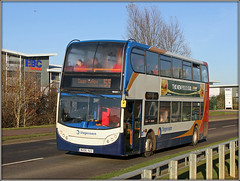 19020, Upton Valley Way (Jason 87030) Tags: emc ee scum swanvalley northampton steamy steamed full midlands stagecoach northants red white blue orange bus wheels lighting sunny weather northamptonshire e400 junk pileofcrap subway pizza advert color colour buses transport 55
