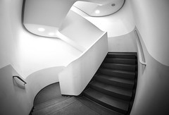 Staircase Fisheye (kuestenkind) Tags: fisheye weitwinkel schwarzweis blackandwhite bnw bw treppenhaus architektur architecture modern staircase northgermany norddeutschland