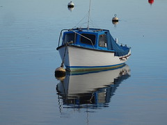 Late Autumn Reflections on the Teign December 2019 (guyfogwill) Tags: 2019 autumn bateau bateaux boat boats coastal december devon dschx60 england fogwill gb gbr greatbritan guy guyfogwill marine nautical plymouthpilot18 reflection reflections river riverteign shaldon sony southwest teignestuary teignmouth teignmouthapproaches theshaldives tq14 uk unitedkingdom wetreflection flicker photo interesting absorbing engrossing fascinating riveting gripping compelling compulsive beach vacances water sea ocean