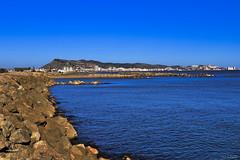 Azul (chelocatala) Tags: espigon piedras agua mar mediterraneo paisaje cullera