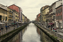 Ripa di porta Ticinese | Naviglio grande (max tuguese) Tags: grande naviglio milan lombardy italy canal cityscape maxtuguese street photographer flickr outdoor explore perspective building houses nikon d3400 1870 national