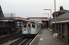 1550 Woodford 19-12-92 (6089Gardener) Tags: centralline woodford 1550 1962stock