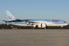 TUI B787-8 (Leechy8) Tags: boeing b787 b7878 dreamliner manchesterairport manchester southside tui thomsonairways landing plane sunrise perfect