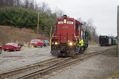 y&s 138 (Fan-T) Tags: ys 222 gp18 youngstown southern souhteastern negley garbage unload landfill ohio shortline ibcx icg 9368
