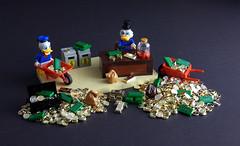 Scrooge McDuck (modestolus) Tags: scrooge mcduck dagobert disney comic lego legobuilding legobrick legomoc legonerd legominifig legotoy minifig minifigs roguebricks wwwroguebricksde geldspeicher money moneybin donald duck