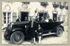 "Opel 10/40 PS (Vintage Cars & People) Tags: white black classic vintage photography photo automobile foto sw ""blackwhite"" cars car motor opel 1920s fashion flapper maryjanes 20s maryjaneshoes twenties dollyshoes grauerbär 1040ps hotel suit suitandtie waiter kochelsee"