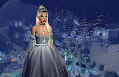 Let it go (Biatch Fenwitch) Tags: snow tiara justbecause winter gown truthhair cynfull romantic winterwonderland