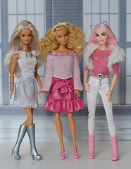Pink Sparkle (Annette29aag) Tags: barbie doll dollphotography fashionista madetomove fashion annette29aag