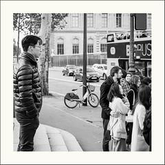 Ailleurs (Napafloma-Photographe) Tags: 2019 france géographie métiersetpersonnages paris personnes techniquephoto napaflomaphotographe photoderue photographe province streetphoto streetphotography ville
